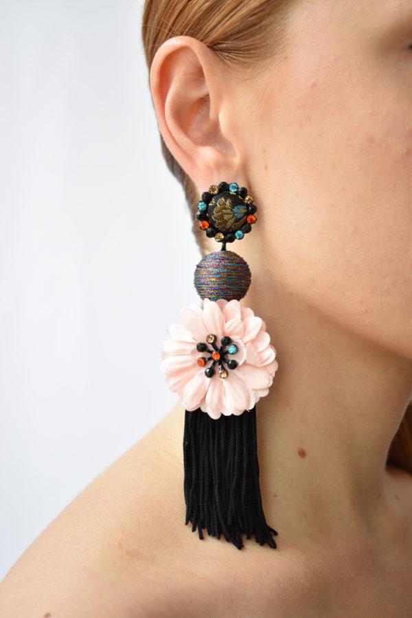Ružové strapcové náušnice Flamenco